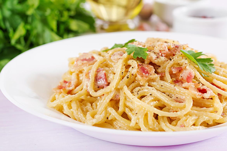 Spaguettis (Carbonara)